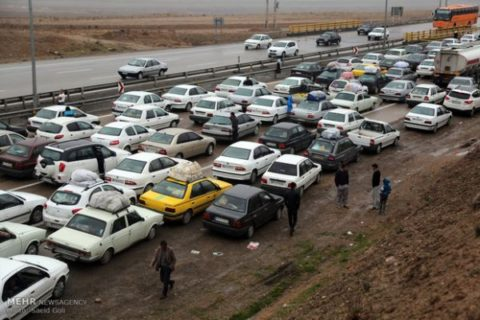 بار سنگین ترافیک در جادههای شمال