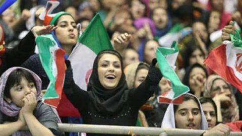 شما نظر بدهید/ برای حضور زنان در ورزشگاهها چه باید کرد؟