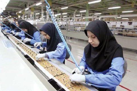 ۸۰ درصد شاغلان بدون بیمه در ایران، زنان هستند