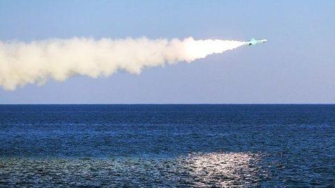 آغاز رزمایش دریایی امنیت و اقتدار پایدار ۹۶ / آزمایش تجهیزات و سلاحهای جدید