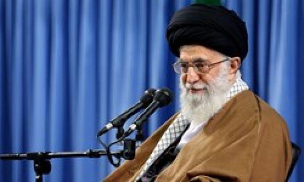 رهبر-معظم-انقلاب-در-دیدار-با-خانواده-شهدا:بعضی-نمیفهمند-اگر-شهدا-سینه-سپر-نمیکردند،-امروز-تهران-و-خوزستان-دست-چه-کسی-بود