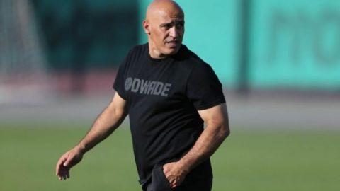 منصوریان: قرارداد بازیکنانی که در تست پزشکی موفق نباشند، فسخ میشود/اسپانسر یک میلیارد تومان ضرر کرد