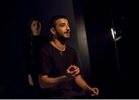 نخستین رپخوان مرد ایران روی صحنه تئاتر