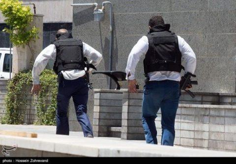 ده تا تروریستها میزدند صدتا بچههای سپاه جواب میدادند/ ماجرای فرشته نجاتی به اسم علی فلاح!