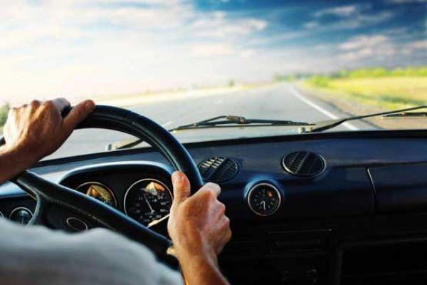 رانندگی-بیش-از-۲-ساعت-در-روز-شما-را-خنگ-می-کند!