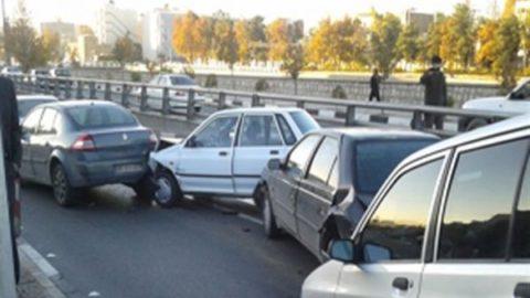 فیلمی از تصادف زنجیرهای عصر امروز در ولنجک تهران