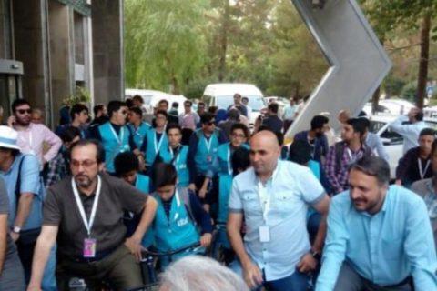 هنرمندان در اصفهان دوچرخه سواری کردند