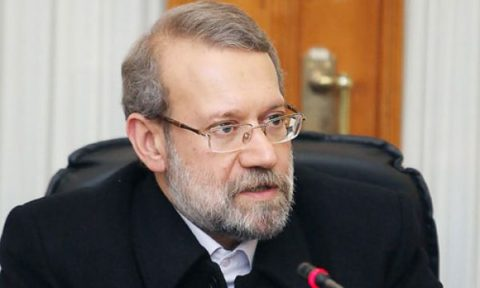 علی لاریجانی : دولت حواس پرتی را کنار گذارد و به فکر خدمت باشد