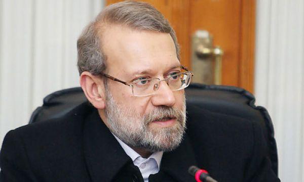 علی-لاریجانی-:-دولت-حواس-پرتی-را-کنار-گذارد-و-به-فکر-خدمت-باشد
