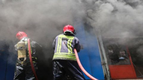 آتشسوزی در نیروگاه تبریز/تلاش برای مهار آتش ادامه دارد