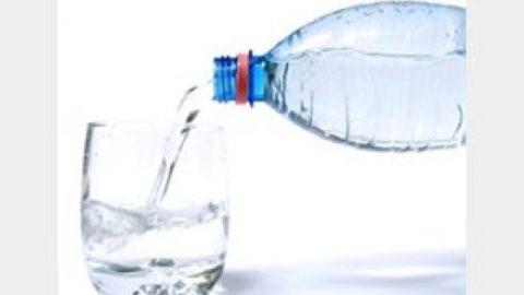 ادعای آلوده بودن آب معدنی های توزیع شده در کشور شایعه است