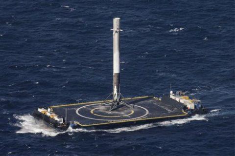 اسپیس اکس عملیات پرتاب راکت فالکون ۹ را قبل از اجرا متوقف کرد