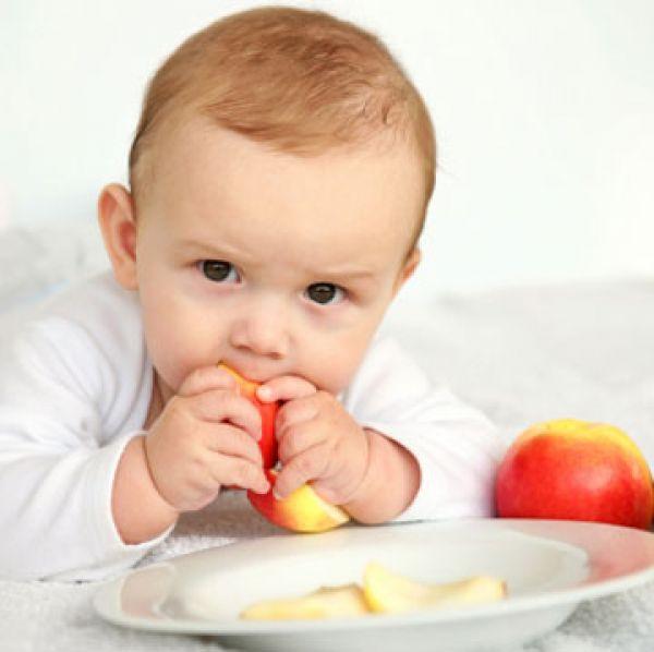 چه-غذاهایی-را-نباید-به-کودکان-زیر-یکسال-داد؟
