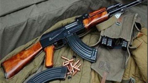 """انهدام باند """"خرید و فروش و حمل سلاحهای غیرمجاز"""" در کرمان/کشف مقادیری اسلحه جنگی و شکاری"""