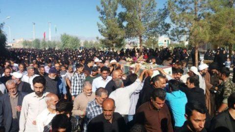 روایت یک مخاطب از تشییع شهدای گمنام در اردستان