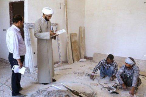 مهندسی که با لباس روحانیت سر ساختمان حاضر میشود/عکس