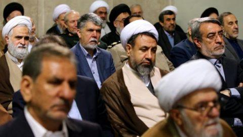 حضور احمدي نژاد در ديدار مسئولان با رهبري/ عکس