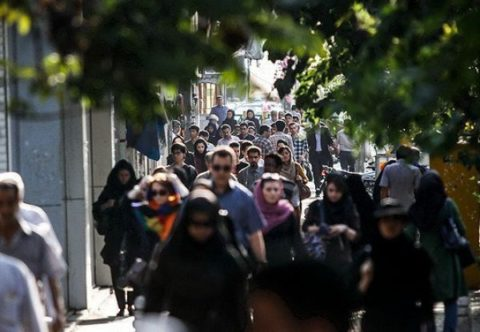 نگرش مردم به حجاب/ کاهش تمایل به پوشش چادر و مانتو گشاد