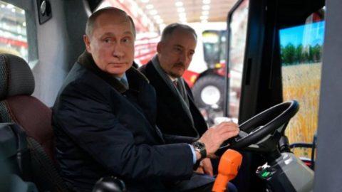 پوتین: در انتخابات شکست بخورم، راننده کمباین میشوم