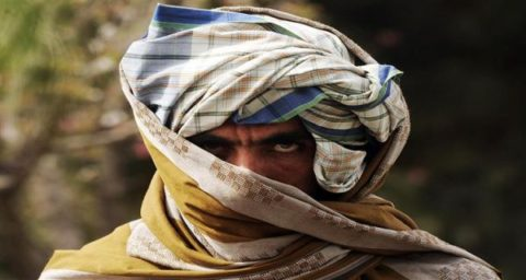 آسوشیتدپرس: دو مقام امنیتی افغانستان در حال گفتوگو با طالبان هستند